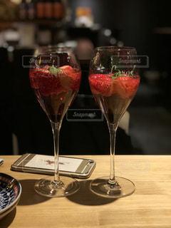苺のスパークリングワインの写真・画像素材[1230667]