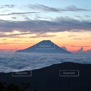 南アルプスからの富士山の写真・画像素材[1234911]