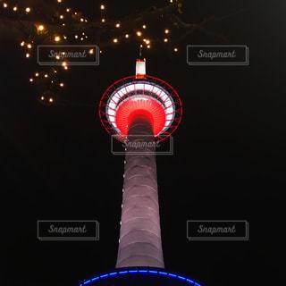 近くの光の塔の写真・画像素材[1244145]
