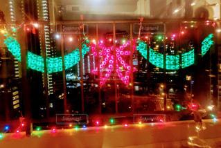 クリスマスシーズンのハワイ コンドミニアムのラナイの写真・画像素材[1668783]