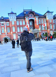 東京駅と外国人観光客の写真・画像素材[1813724]