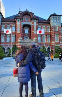 アメリカ夫が初めて訪れた東京駅の写真・画像素材[1813725]