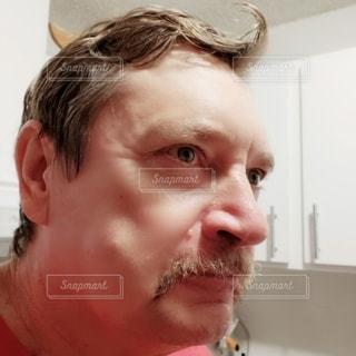 寝起きの髪の写真・画像素材[3117979]