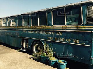 古き良き時代を運んだバスの写真・画像素材[1515944]