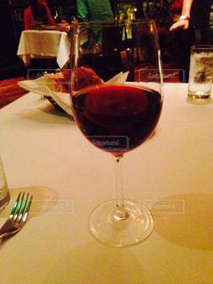 グラスワインの写真・画像素材[1670538]