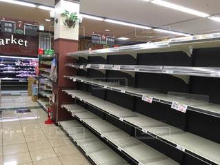 震災直後のスーパーの写真・画像素材[1302700]