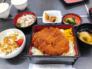ソースカツ丼の写真・画像素材[1499705]