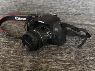 黒のカメラのアップの写真・画像素材[1241530]