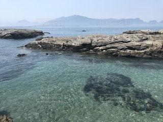 海水浴場の岩の写真・画像素材[1306594]