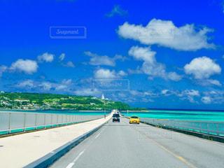 古宇利大橋と海と空の写真・画像素材[1452384]