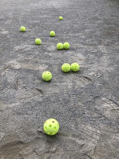 黄色のボールの写真・画像素材[1248493]