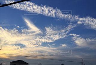 青い空に雲の写真・画像素材[1244281]