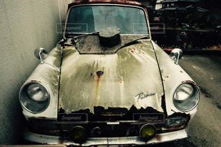 近くに車のアップの写真・画像素材[1253158]