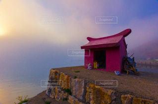 濃霧の中から海神様の写真・画像素材[1245359]