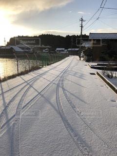 雪の積もった朝の写真・画像素材[1251356]