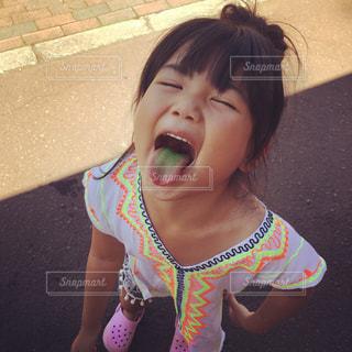かき氷を食べた女の子の写真・画像素材[1247825]