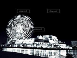 観覧車と夜(モノトーン)の写真・画像素材[1347716]