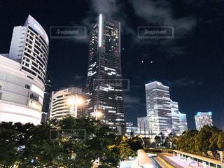 夜とランドマークタワー(カラー)の写真・画像素材[1347719]