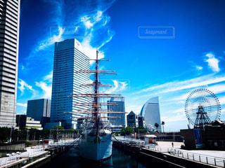羽雲と日本丸の写真・画像素材[1347779]