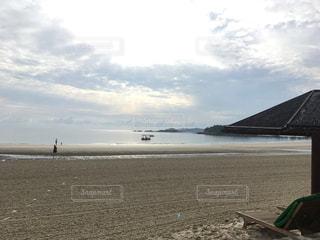 朝のビーチです。ビンタン 島の写真・画像素材[1250314]