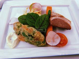 ビジネスクラスの食事の写真・画像素材[1251344]