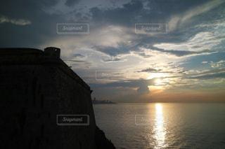 海に沈む夕日の写真・画像素材[1252415]