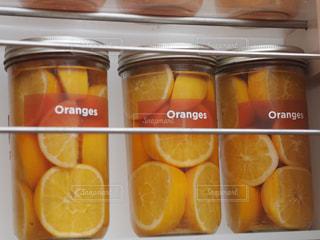 オレンジの瓶詰めの写真・画像素材[1006748]