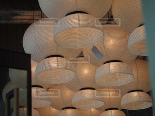 カフェのライトの写真・画像素材[1703176]