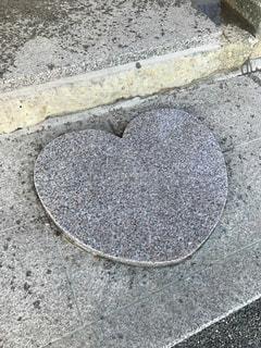 ハート型の石の写真・画像素材[1257847]