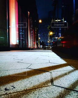 夜の街の景色の写真・画像素材[1263400]