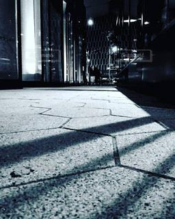 近くに空の歩道のアップの写真・画像素材[1263402]