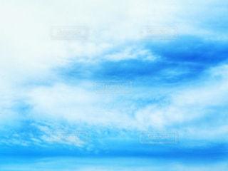 青空に雲の写真・画像素材[1762527]