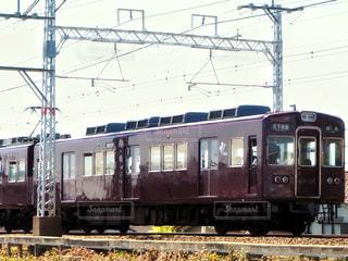 小豆色の電車の写真・画像素材[2062976]