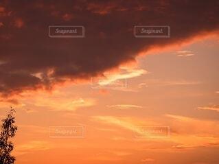燃える夕景の写真・画像素材[3631240]