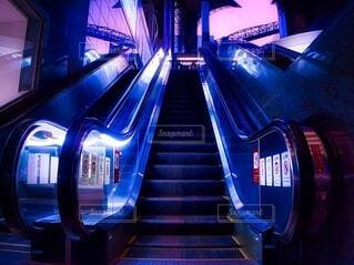 エスカレーター 階段の写真・画像素材[3917218]