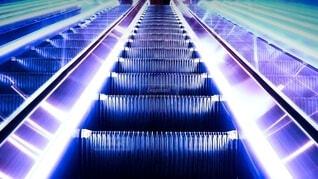 エスカレーター 階段の写真・画像素材[3979326]