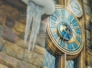 大きな壁時計の写真・画像素材[4210400]