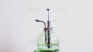 近くのガラス花瓶の写真・画像素材[1662665]