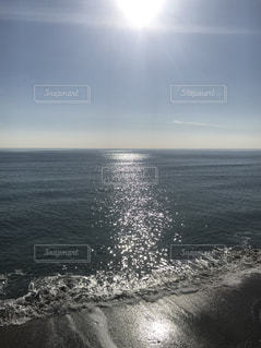 海の横にある水の体の写真・画像素材[1711831]