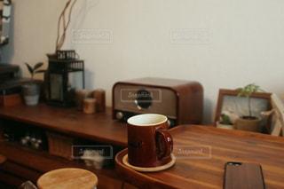 木製テーブルの写真・画像素材[1741351]