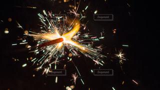 空に打ち上げられた花火の群し方の写真・画像素材[2284122]