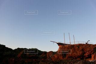 朝日に照らされる船の写真・画像素材[1257127]