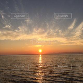 日本海の夕日の写真・画像素材[1263611]