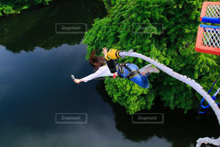 川へバンジー!の写真・画像素材[1258917]
