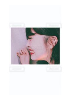 笑顔な横顔の写真・画像素材[1260216]