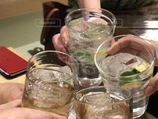 乾杯の図の写真・画像素材[1261371]