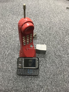 昔の電話機の写真・画像素材[1263667]