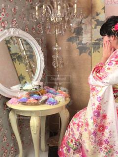 ピンクのドレスの女の子の写真・画像素材[1718737]