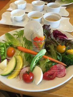 栄養バランス抜群の野菜プレートの写真・画像素材[1726431]
