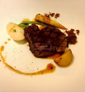 牛ヒレ肉のステーキの写真・画像素材[1763063]